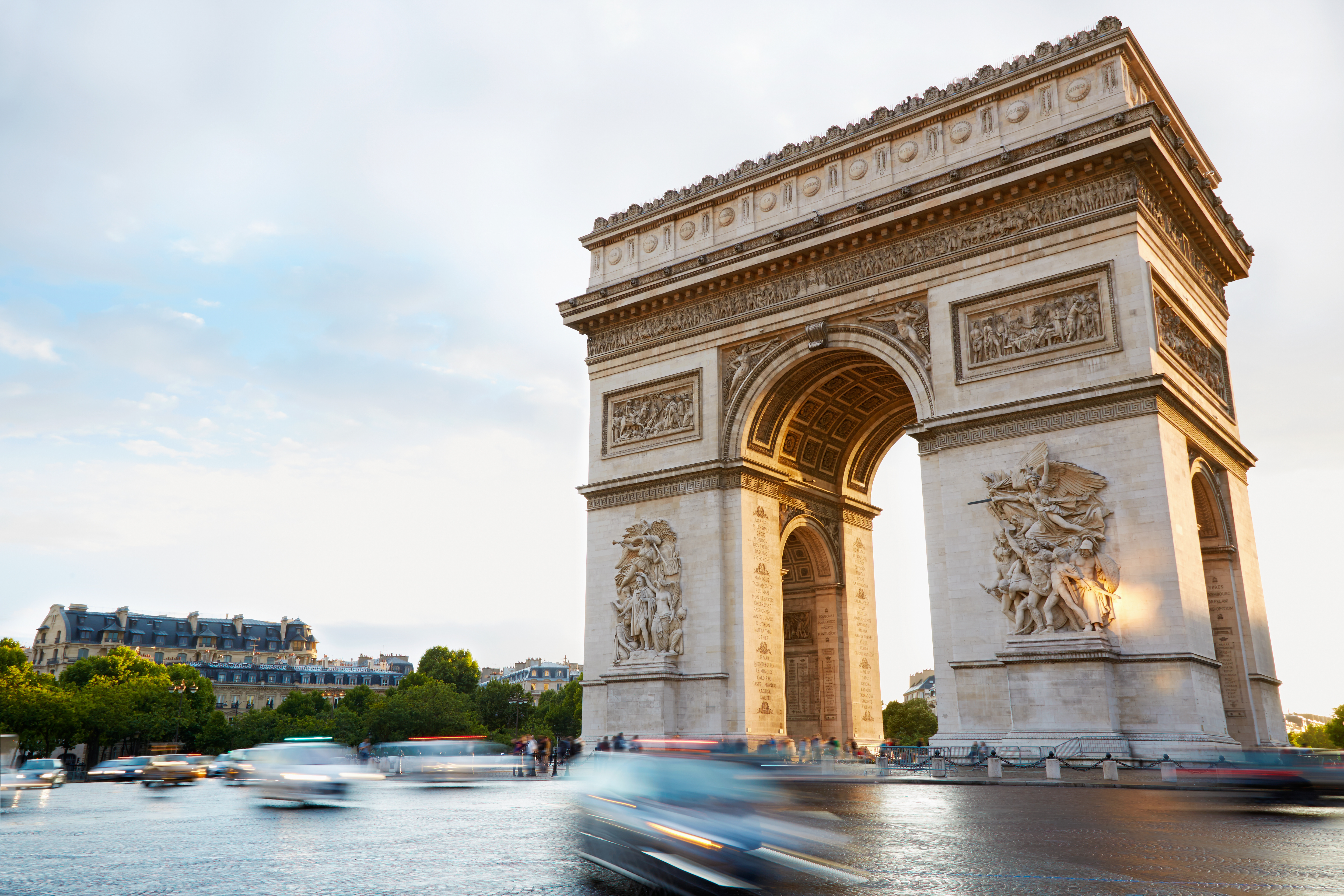 arc de triomphe in paris afternoon custom wallpaper. Black Bedroom Furniture Sets. Home Design Ideas