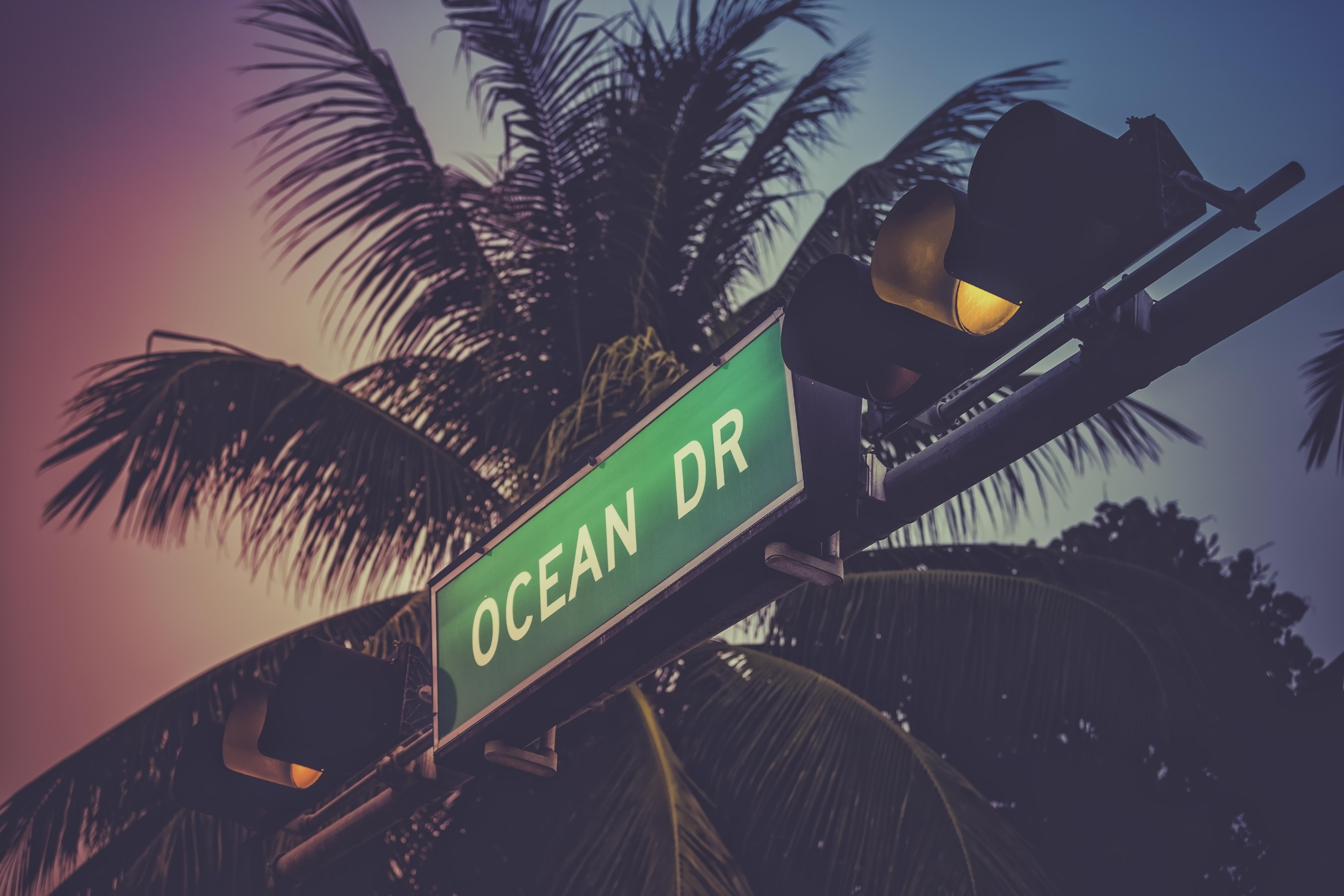 Ocean Drive sign in Miami Beach - Custom Wallpaper